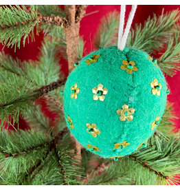 Creative Co-Op Wool Ornament W Metal Light Green