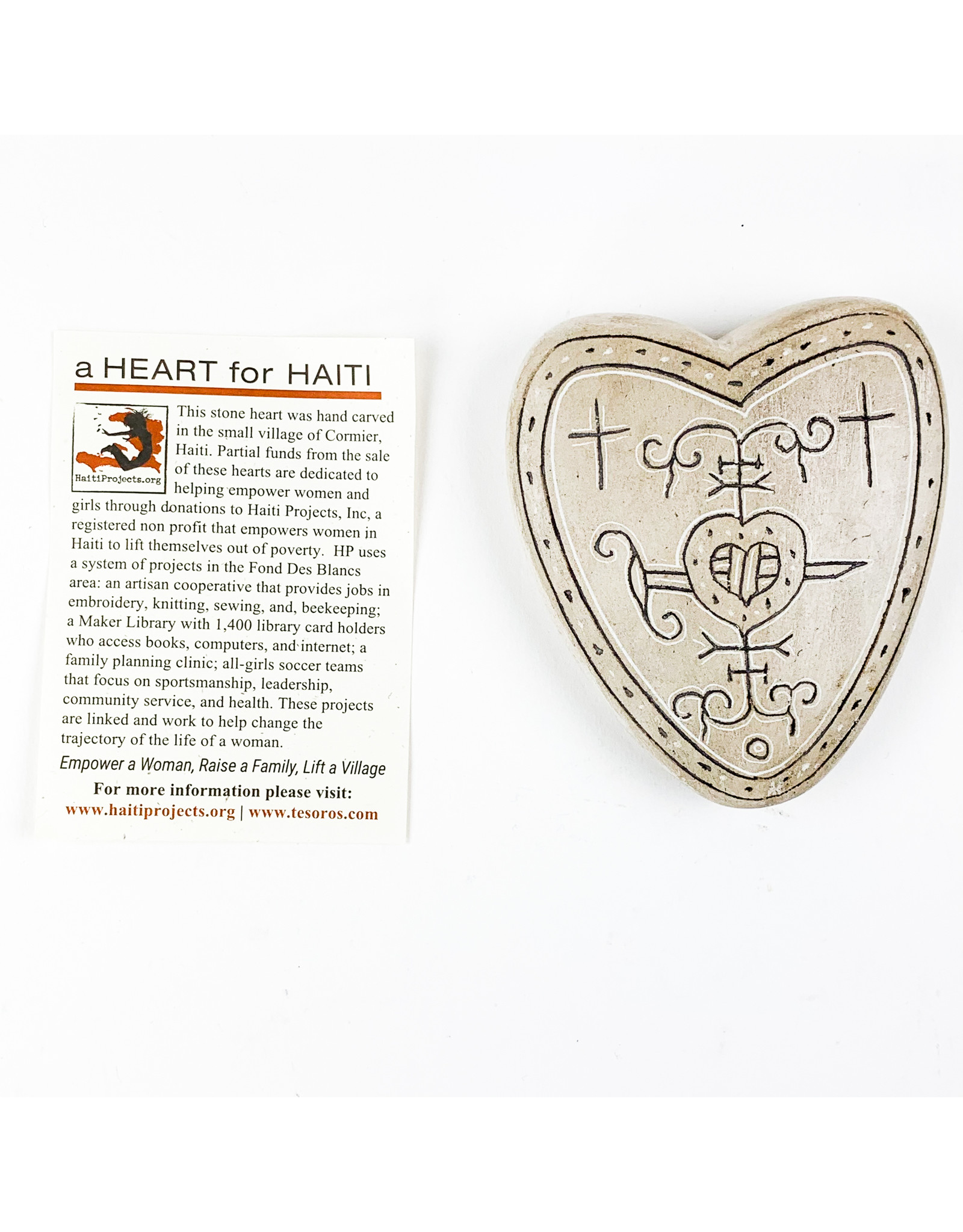 Tesoros Engraved Heart