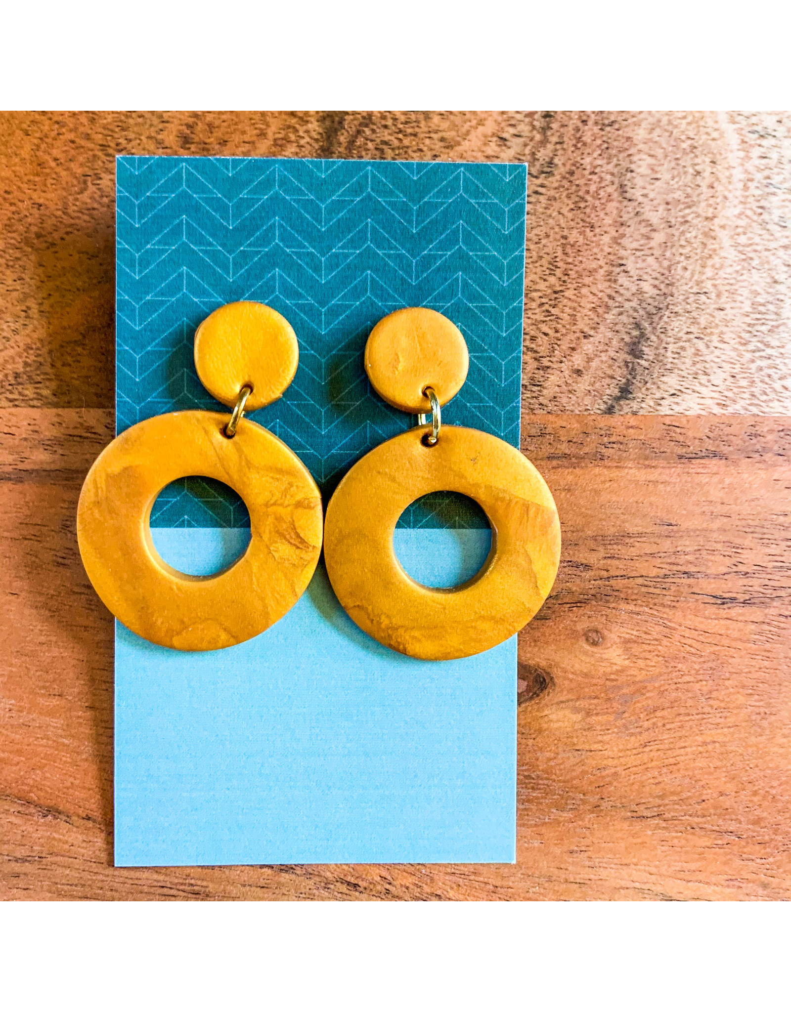 Maria Anholzer-Consignment Gold Circles Consignment