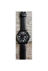 Curren Fond noir chiffres blancs, bracelet cuir noir