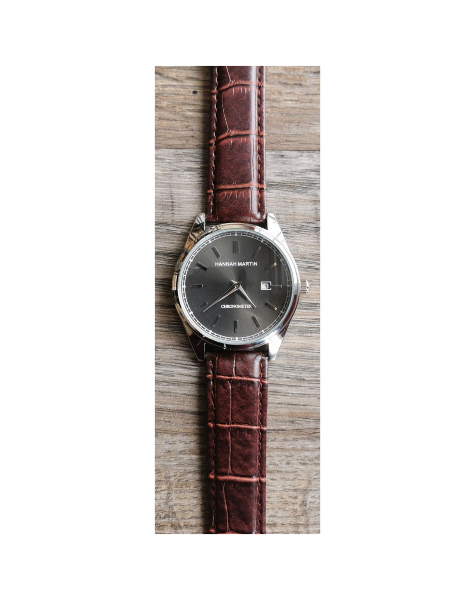 Hannah Martin Fond noir, bracelet brun