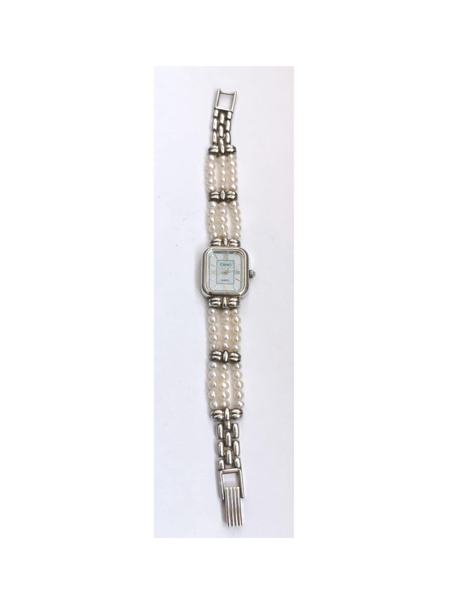 Carati Rectangle perles blanches fond bleu
