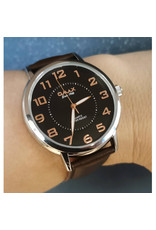 Omax Bracelet brun, fond noir
