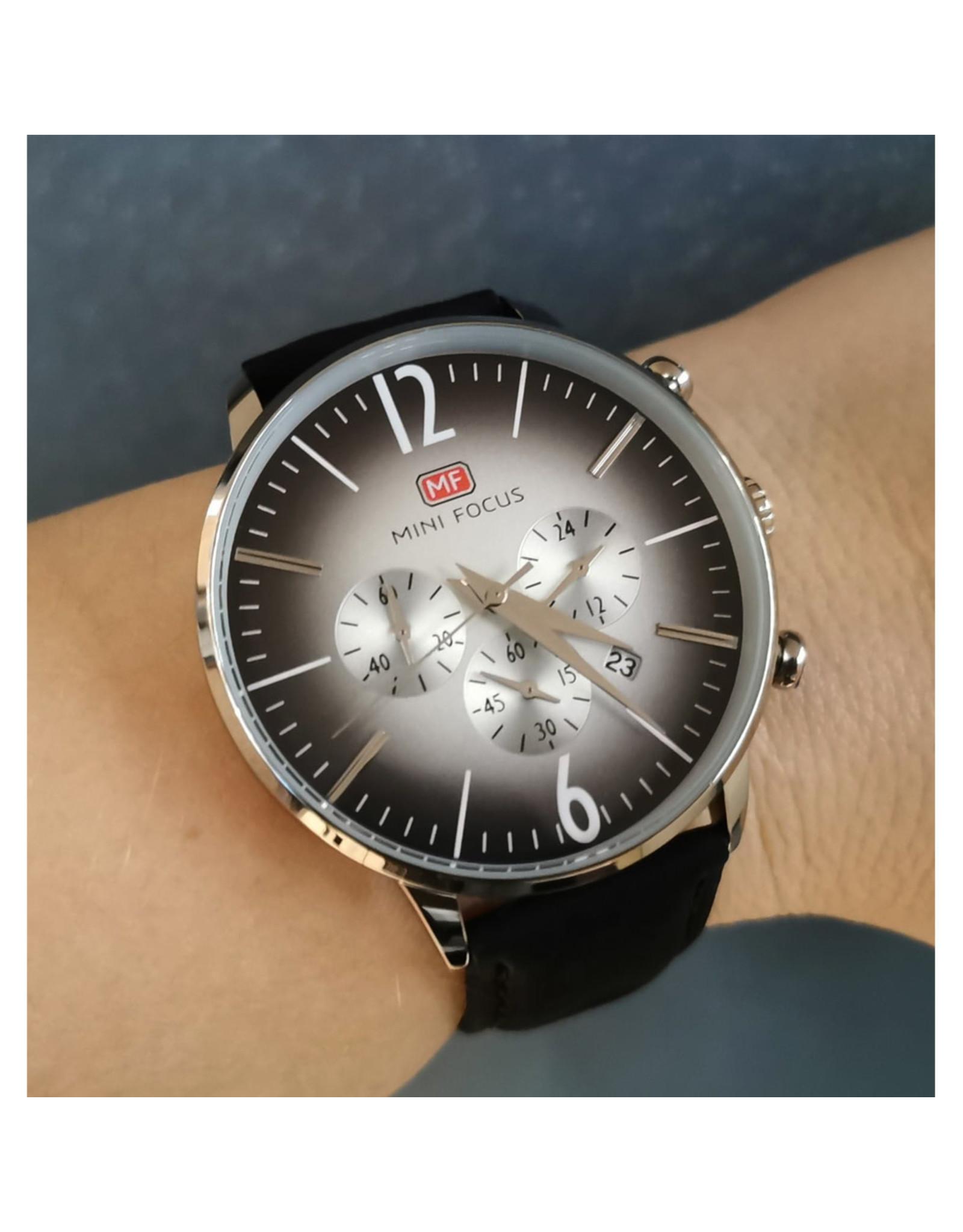 Mini Focus Bracelet cuir noir, fond noir dégradé gris
