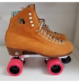 USED - Moxi Lolly Neo Clementine size 9 flat outrageous wheels