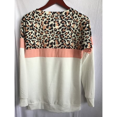 MOUNTAIN VALLEY TRADING Leopard Print top