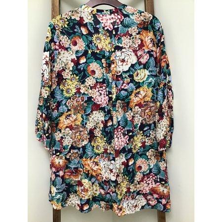 Umgee Keyhole Flowered Tunic W/ Bell Sleeves