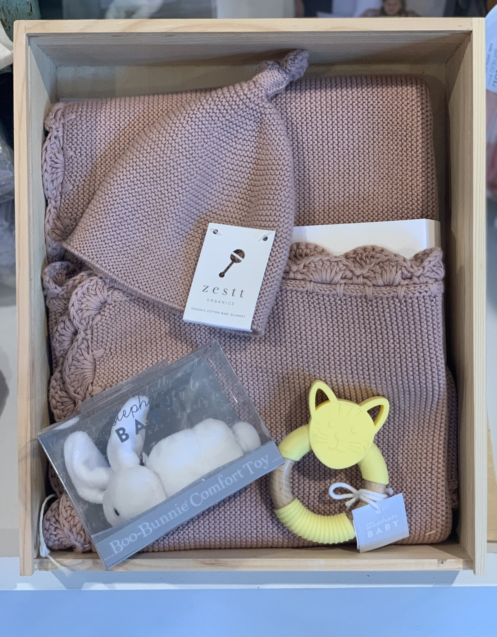 Zestt  baby gift set organic cotton heirloom