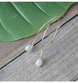 Baizaar Brass Curled Stone Earring