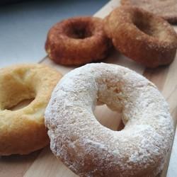 TOUT UN FROMAGE Cinamon donut (3)