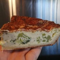 TOUT UN FROMAGE Brie broccoli quiche portion 1/4
