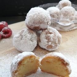 TOUT UN FROMAGE Icing sugar troubadours (6)