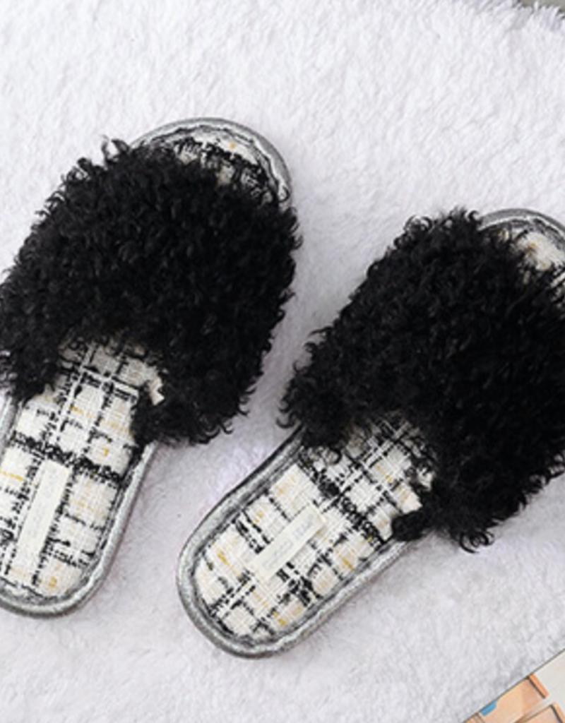 DrifWoo Fuzzy Indoor Slippers Black