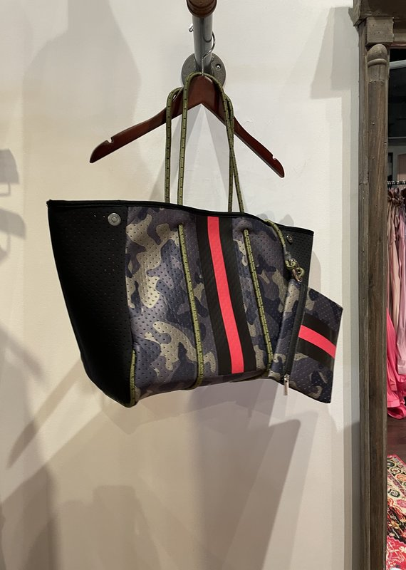 faire -Neoprene Tote Green Camoflage with red stripe