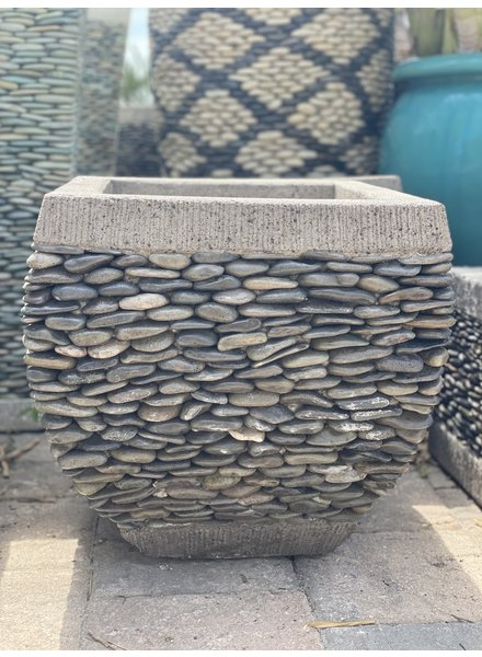 Low Rounded Pebble Square Natural