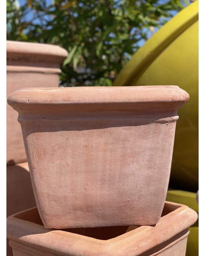 Terracotta Low Square with Thick Lip Medium