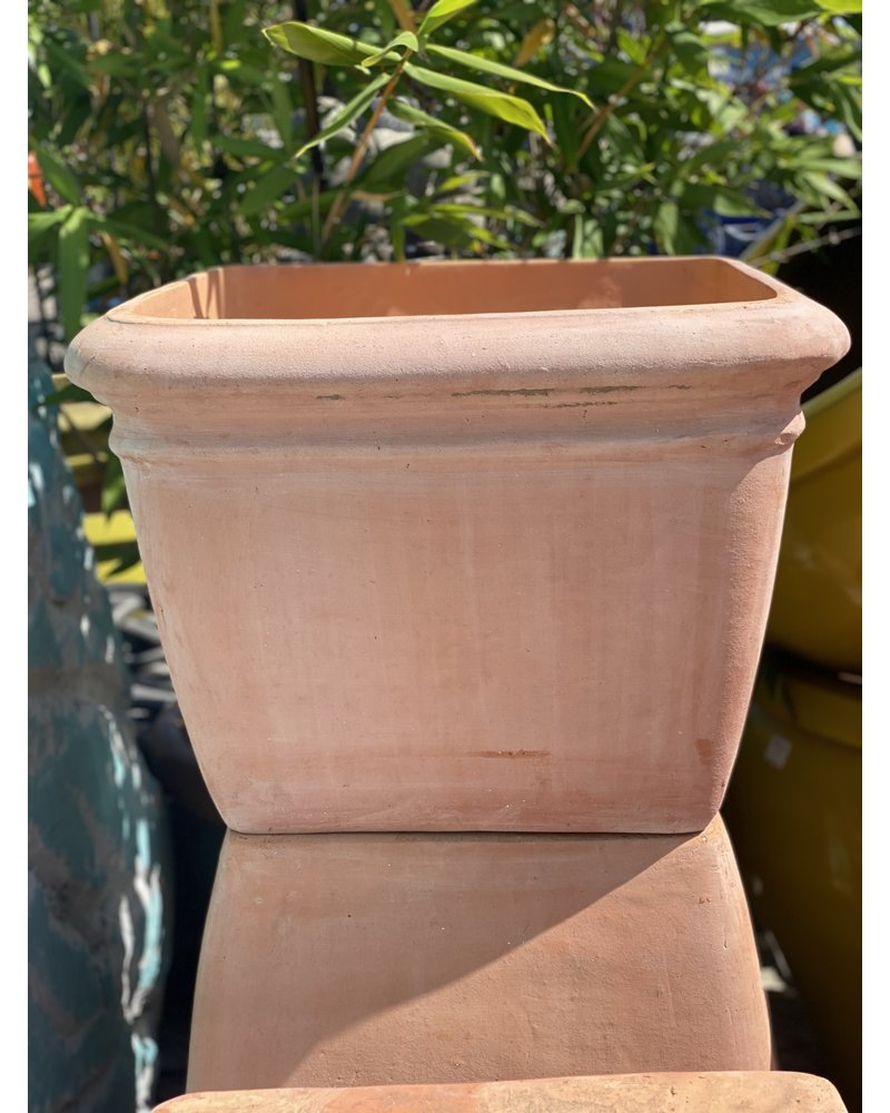 Terracotta Low Square with Thick Lip Large