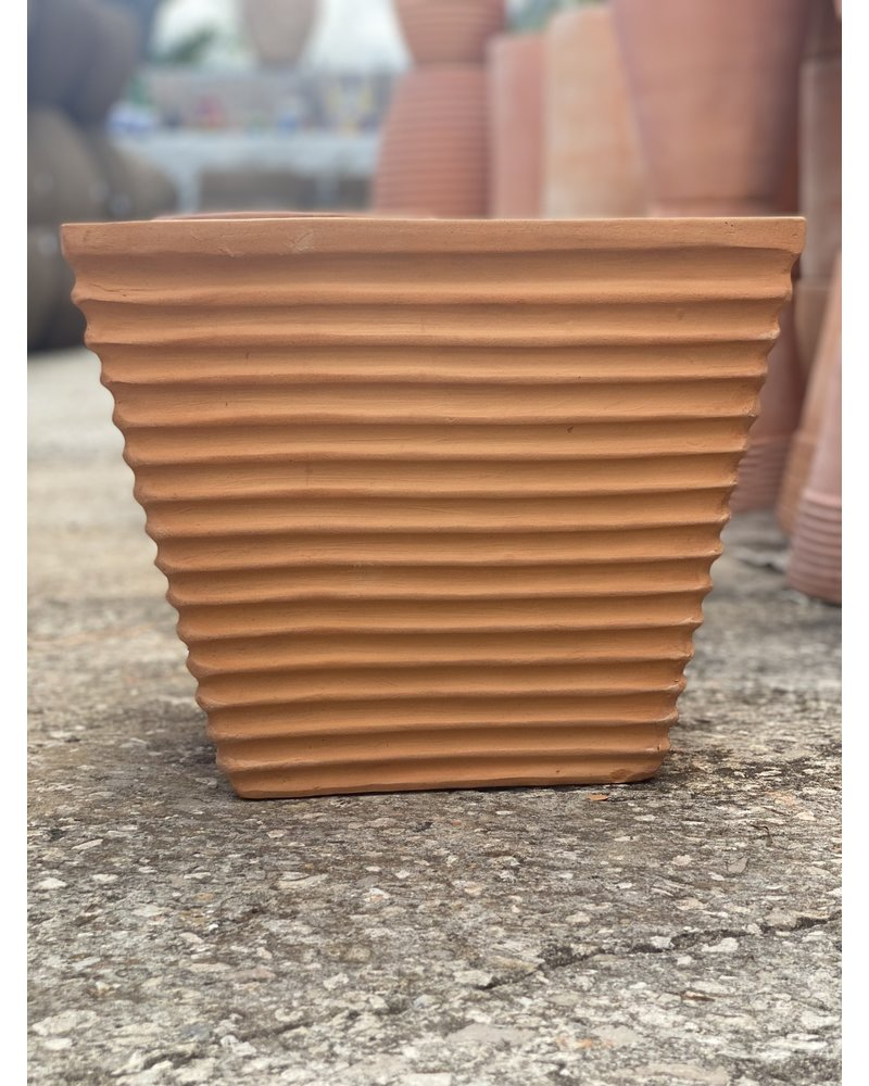 Terracotta Low Tapered Cube with Lines Small