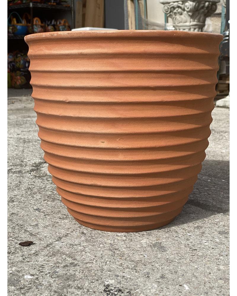 Terracotta Ribbed Egg Planter Md