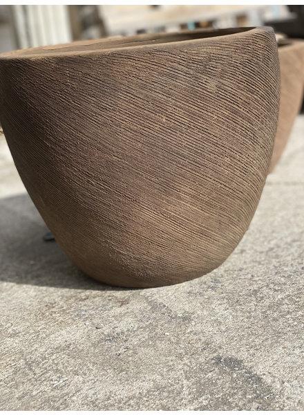 Terracotta Egg Swirl Scraped Planter Medium C