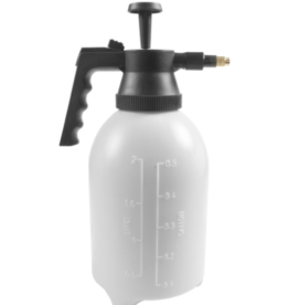 CENTURION GARDEN AND OUTDOOR LIVING INC CENTURION PUMP SPRAYER WITH BRASS NOZZLE 1/2 GAL