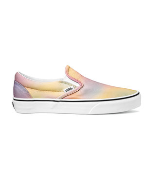 VANS VANS WOMENS CLASSIC SLIP-ON SHOE (AURA SHIFT) MULTI / TRUE WHITE SP20