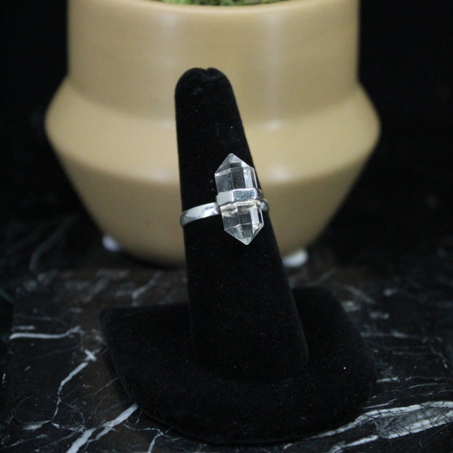 Clear Quartz Sterling Silver Ring - Size 5