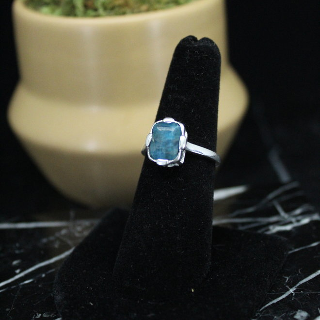 Blue Apatite Ring - Size 7 - Sterling Silver Rectangle