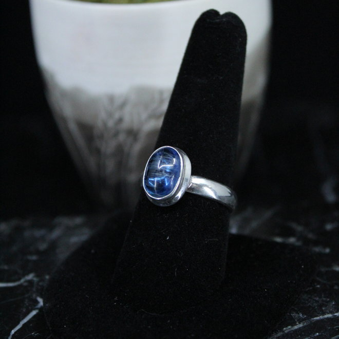 Blue Kyanite Ring - Size 9 - Sterling Silver Oval