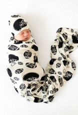 POSH PEANUT TOUCHDOWN - INFANT SWADDLE AND BEANIE SET