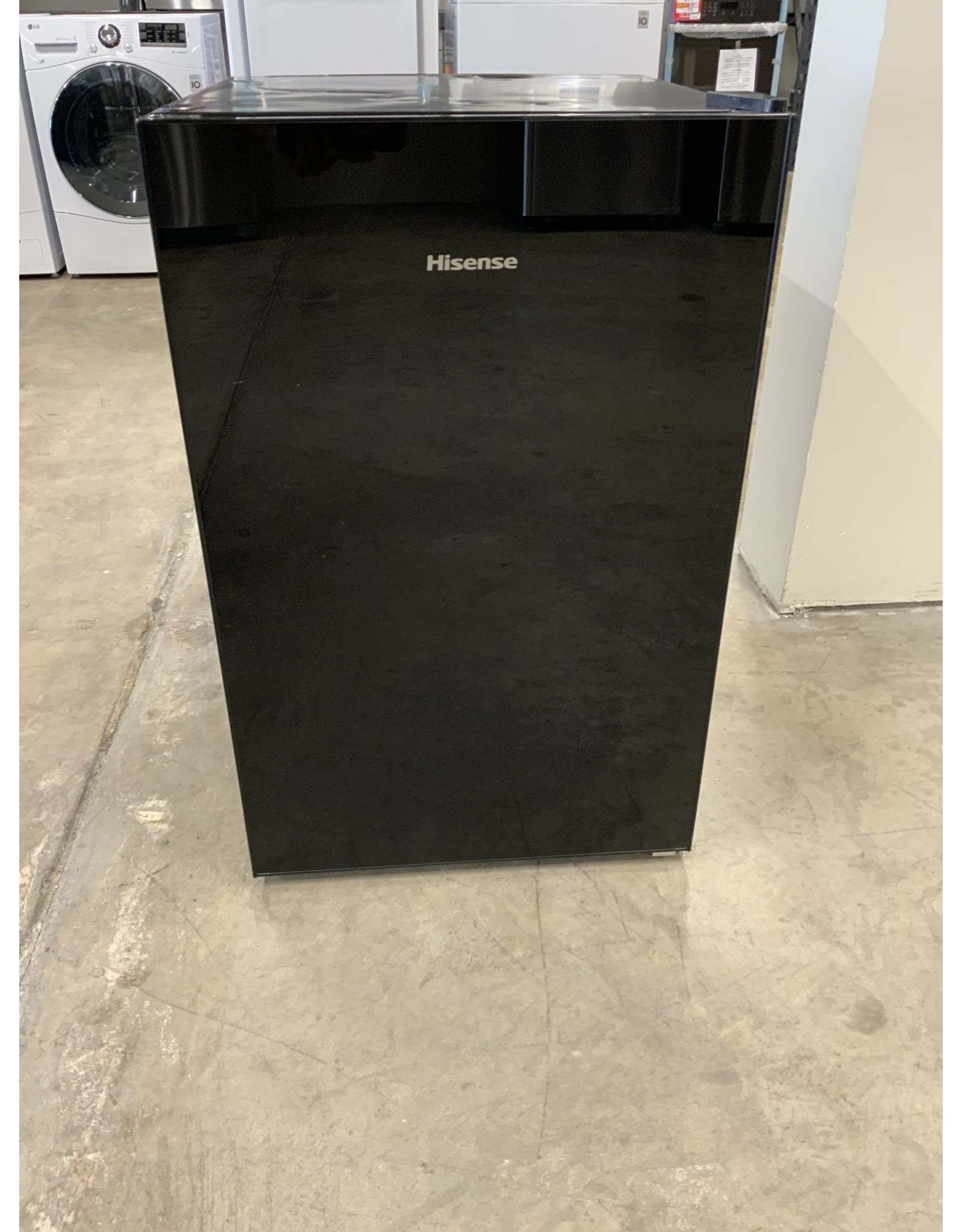 Hisense Hisense 4.4 Cu.ft fridge