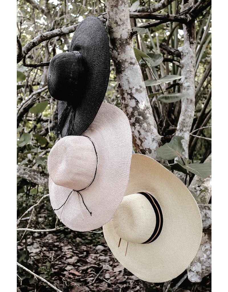 ANYA & NIKI The Big Hat
