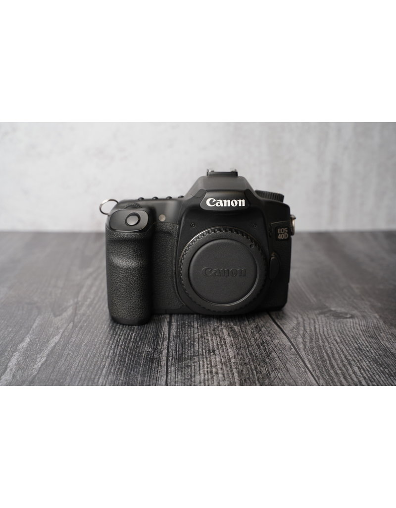 Canon Used Canon 40D Body Only Shutter Count: Under 22,500 Clicks
