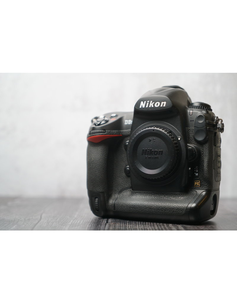 Nikon Used Nikon D3s Body Only Shutter Count: Under 2,200 Clicks