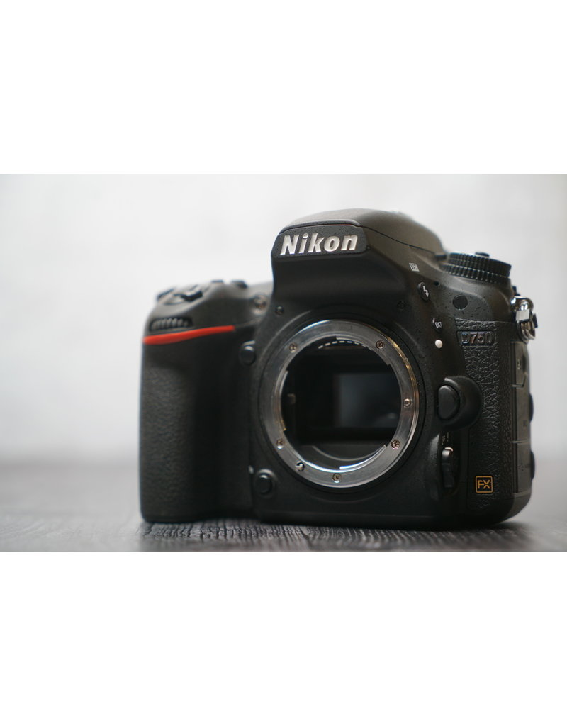 Nikon Used Nikon D750 Body w/ Box Shutter Count: Under 24,000 Clicks