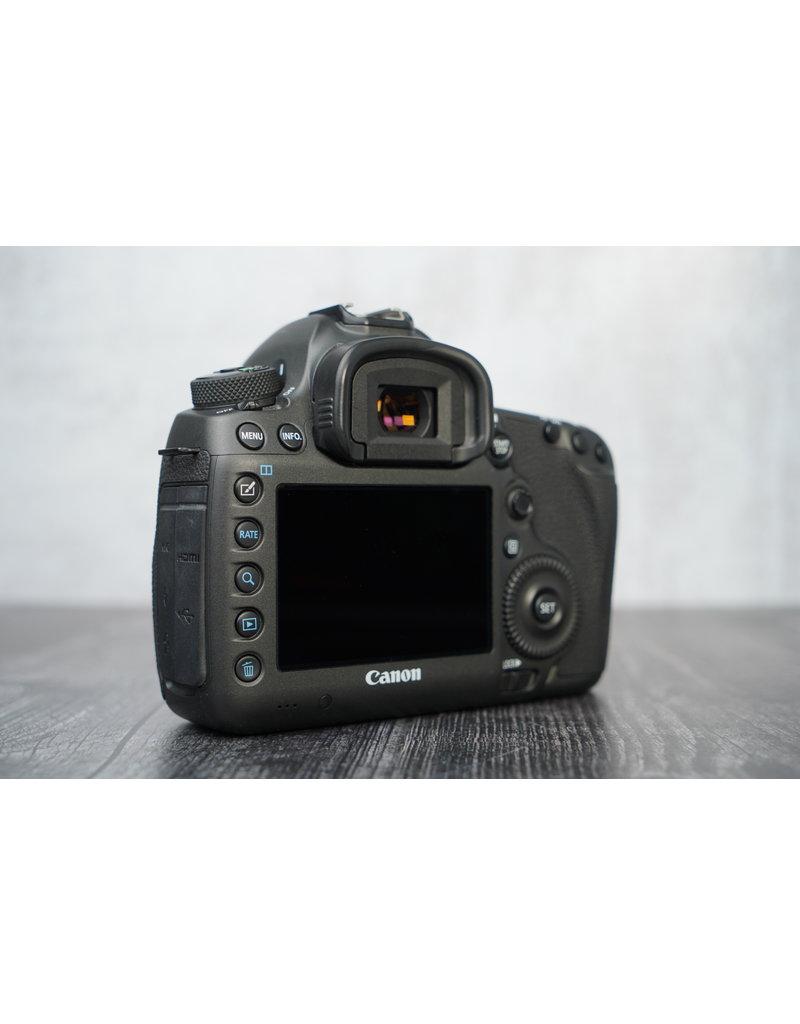 Canon Used Canon 5DS Camera Body Shutter Count: 3100