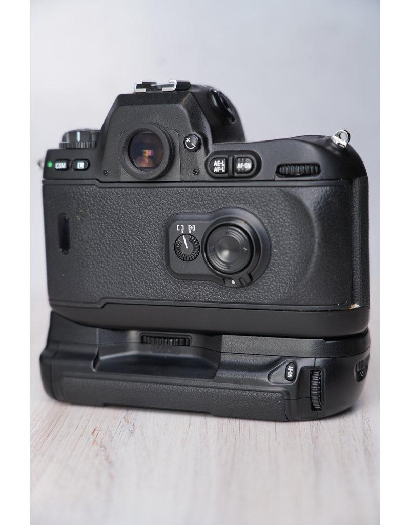 Nikon Used Nikon F100 35 Film Camera Body Only w/ MB-15 Battery Grip
