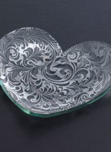 Annie Glass Florentine Heart Plate