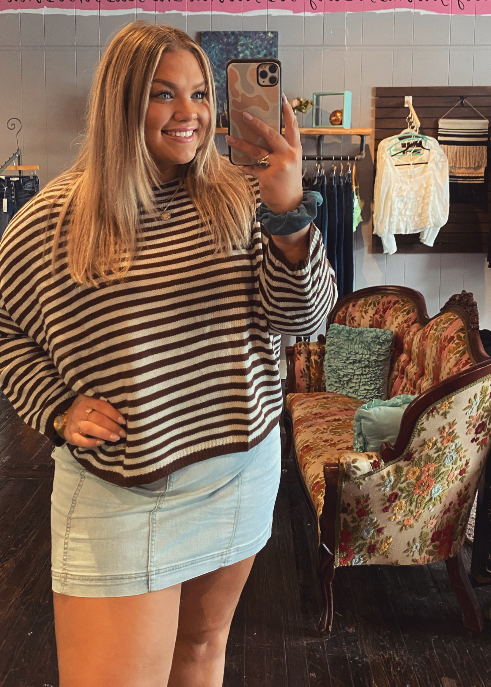 Striped T-Body sweater