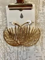Gold Metal Leaf Circle Earrings