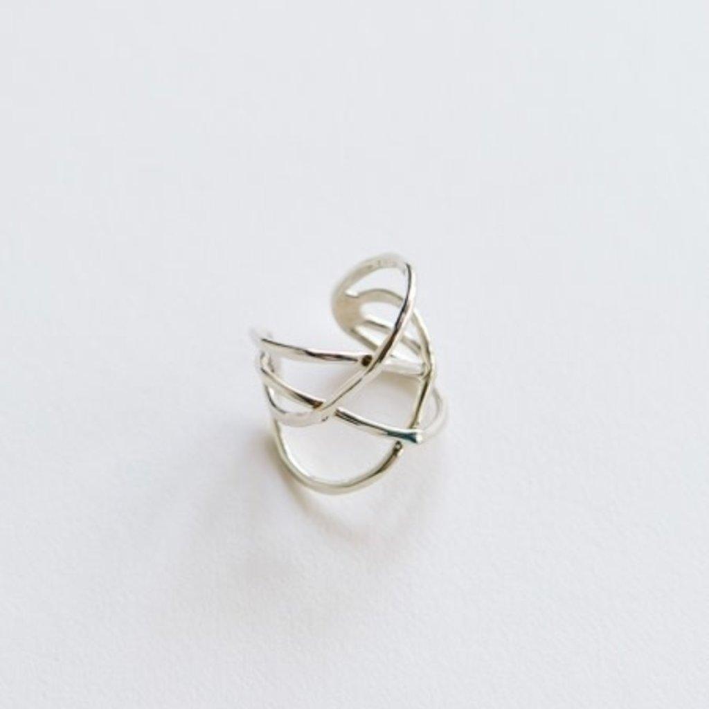 Mata Traders Criss Cross Ring Silver