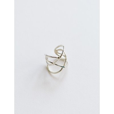 Mata Traders Criss Cross Ring Silver