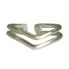 World Finds Double V Ring Silver