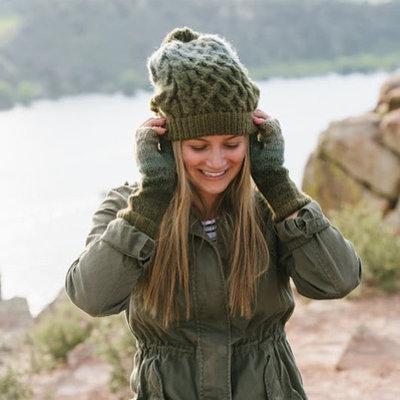 Andes Gifts Pom Pom Hat