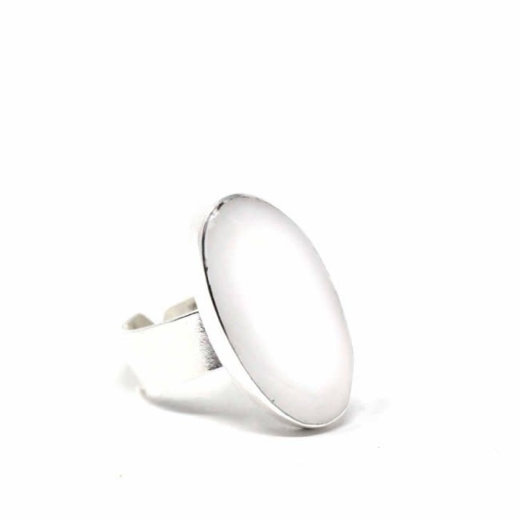 Global Crafts Silver Oval Mother of Pearl Ring