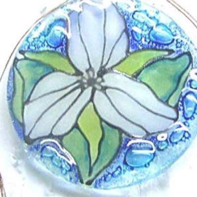 PamPeana Trillium Fused Glass Ornament