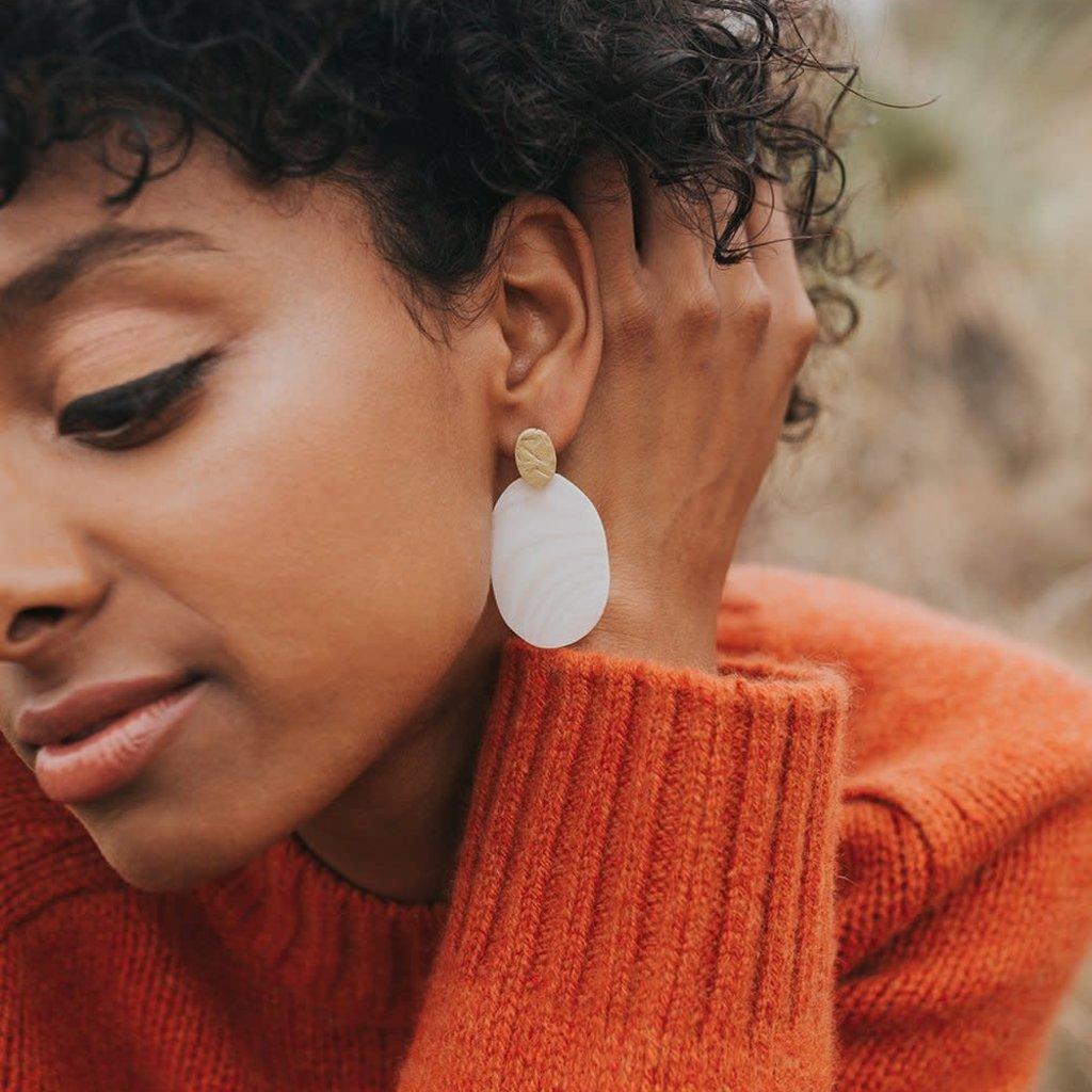 Matr Boomie Dhavala Pearl Stud Earrings