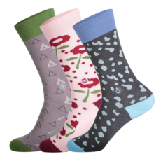 Conscious Step Gift Box Socks That Fight for Women IV Small