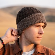 Andes Gifts Reversible Alpaca Cable Hat: Brown