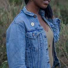 Fair Anita She/Her Pronoun Round Pin